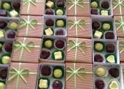 Ventas de recuerdos cajas con  bombones artesanales