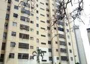 Amplio apartamento en venta en lomas del Ávila, 113 mts.