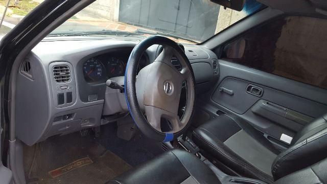 Linda camioneta pick up doble cabina nissan frontier 2006