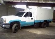 Se vende o se cambia camion silverado año 2007.