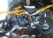 Vendo linda moto unico dueño, como nueva