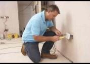 Electricista con experiencia.