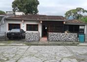 Casa con amplio terreno en venta.