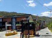 Amplio tow house con 3 dormitorios