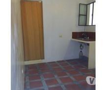 Alquilo Habitacion en Baruta Caracas