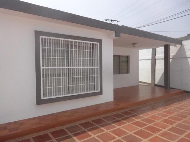AMPLIA CASA EN ALQUILER EN EL GUAYABAL MARACAIBO Maracaibo