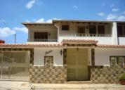 casa en venta en colinas de santa monica caracas 4 dormitorios 350 m2