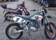 moto enduro um united motors ano 2008.