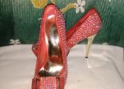 Zapatos sin uso a la venta