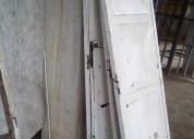 Portones de hojas (blanco y negro)+ puerta