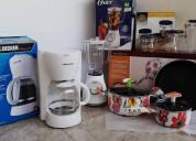 Cafetera, licuadora, juego de ollas de 5 piezas.