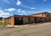 Vendo amplia casa en cumbres de maracaibo
