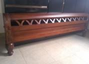 Hermosa cama de cedro queen nueva