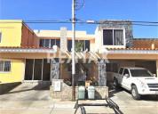Re/max partners vende casa en urb. tierra del sol,