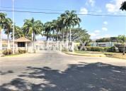 Se vende town house en laguna club residencial