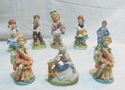 Set de 08 adornos de niñ@s jugando en cerámicas